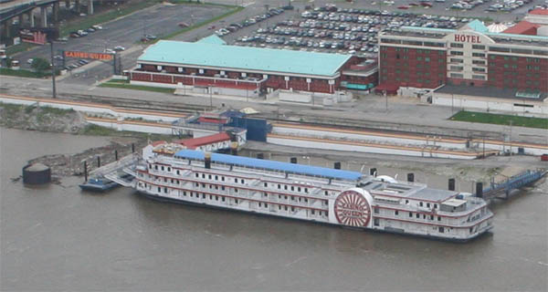 casino queen boat st louis